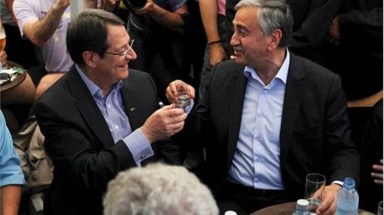 Χωρίς συμφωνία για επανέναρξη διαπραγματεύσεων το δείπνο Αναστασιάδη-Ακκιντζί