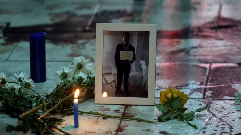 Παραγουάη: Η στιγμή που 25χρονος διαδηλωτής πέφτει νεκρός από πυρά αστυνομικού (pics&vid)