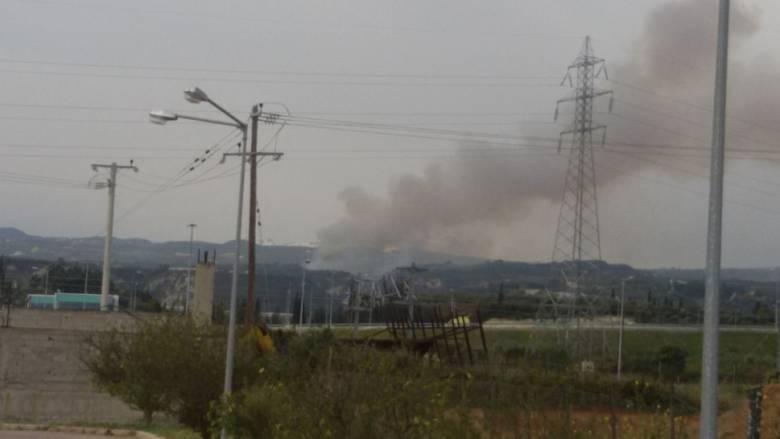 Κόρινθος: Σε εξέλιξη πυρκαγιά στην περιοχή Μέγας Βάλτος (pics)