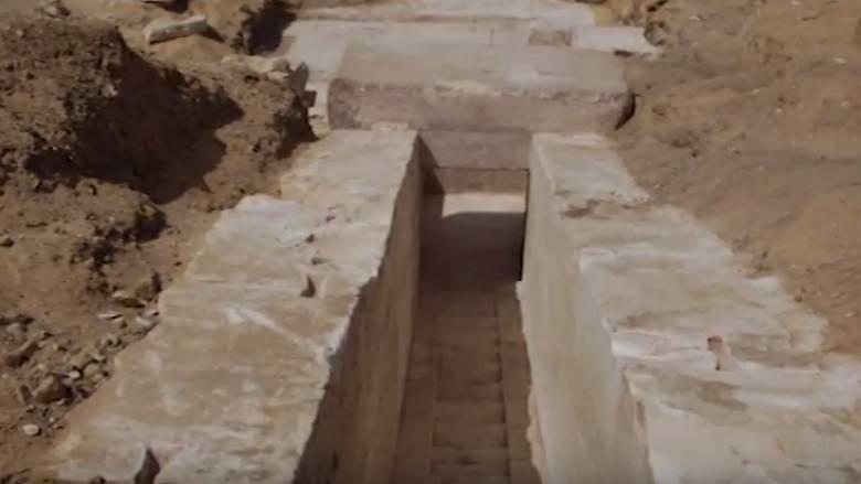 Αρχαιολόγοι ανακάλυψαν μια πυραμίδα ηλικίας 3.700 ετών (pics&vid)