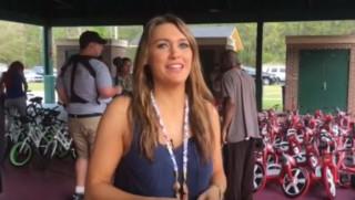 Δασκάλα συγκέντρωσε 80.000 $ για να αγοράσει ποδήλατα στους φτωχούς μαθητές της (vid)