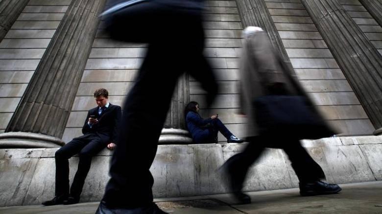 Επενδύουν παρά την πτώση των εσόδων οι εταιρείες κινητής στην Ελλάδα