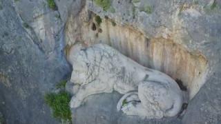 Ναύπλιο: Ο κοιμώμενος λέων από ψηλά (vid)