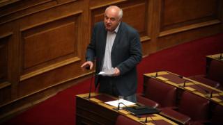 Παρεξήγηση μεταξύ Κρέτσου - Καραθανασόπουλος στη Βουλή
