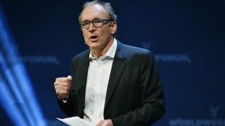 O «πατέρας» του διαδικτύου προειδοποιεί τις ΗΠΑ και τη Βρετανία
