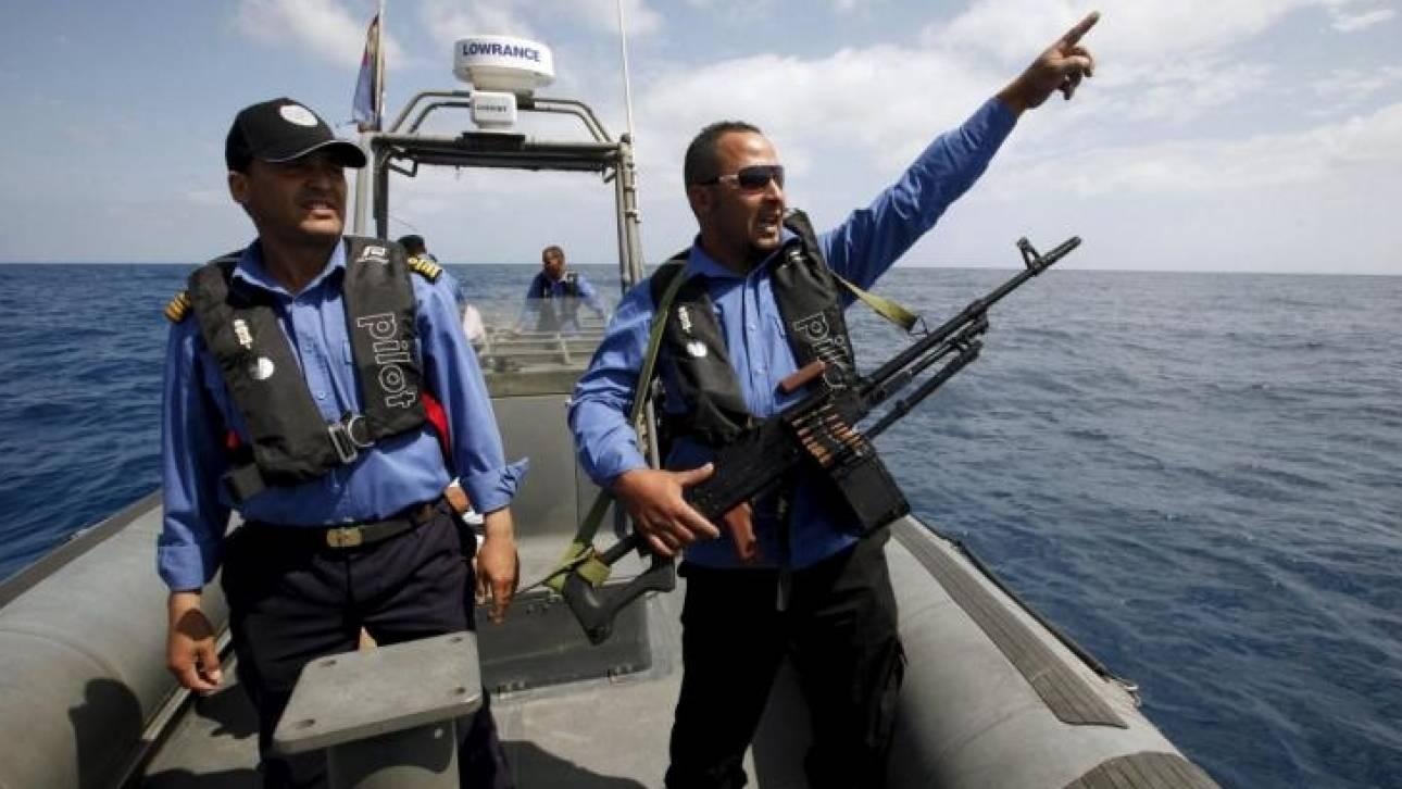 Ανταλλαγή πυροβολισμών με διακινητές προσφύγων στη Λιβύη