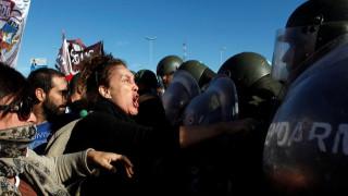Χάος στην Αργεντινή - Σοβαρά επεισόδια σε συγκεντρώσεις κατά της λιτότητας (pics)
