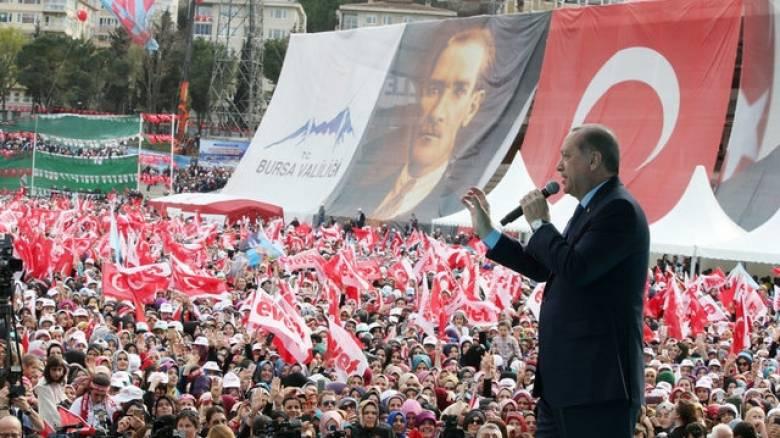 Νέες χυδαιότητες Ερντογάν: «Σαπίζει η Ευρώπη»