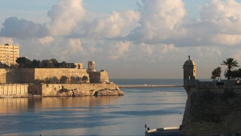 Σε ΔΝΤ και Σόιμπλε στραμμένη η προσοχή στο Eurogroup της Μάλτας