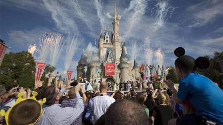 Καταδικάστηκε γιατί πήγε την κόρη του στη Disney World ενώ είχε σχολείο