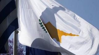 Κύπρος: Πιάστηκαν στα χέρια στη Βουλή για το ενωτικό δημοψήφισμα (vid)