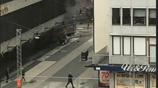 Συναγερμός στη Στοκχόλμη: Φορτηγό «θέρισε» κόσμο σε εμπορικό κέντρο
