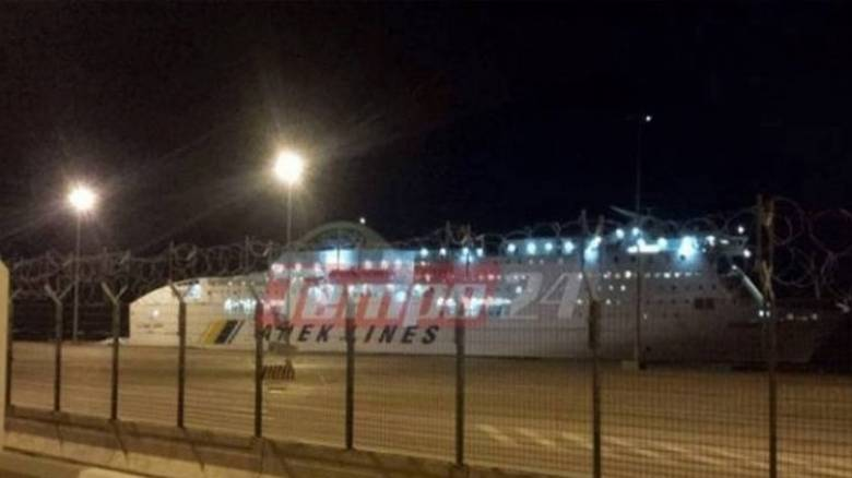 Αναχώρησε το πλοίο που προσέκρουσε στο λιμάνι της Πάτρας