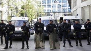 Η ΕΤΑ έδωσε στην αστυνομία μια λίστα με 12 κρυψώνες όπλων στη Γαλλία