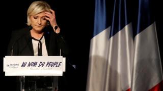 Επεισόδια σε προεκλογική συγκέντρωση της Μαρίν Λεπέν (vids)