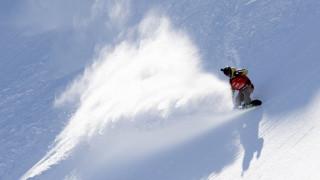 Σκι: «Χορεύοντας» στις χιονισμένες Άλπεις (vid)