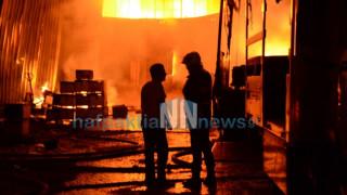 Κάηκε ολοσχερώς αποθήκη στη Ναύπακτο (pics&vid)