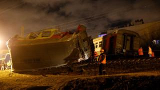 Συγκλονιστικές εικόνες από τη σύγκρουση τρένων στη Ρωσία (pics&vid)