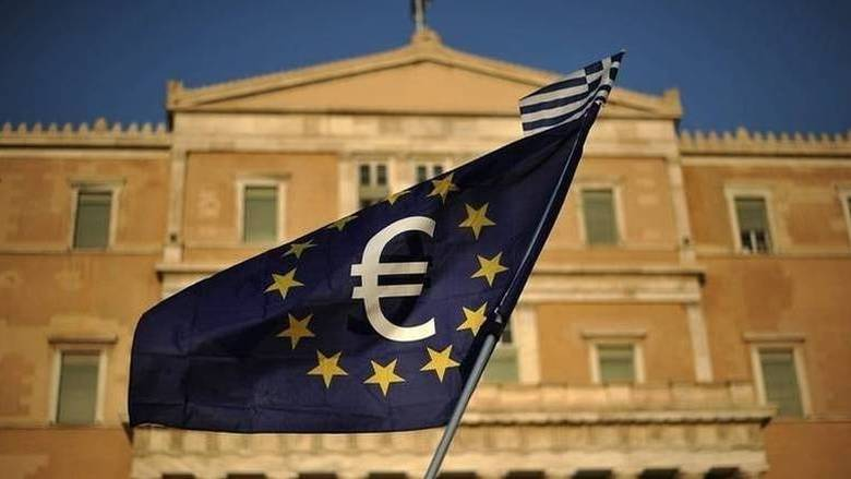 Η απόφαση του Eurogroup απομάκρυνε το φάντασμα του Grexit, λέει ο βελγικός Τύπος