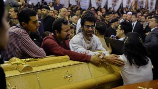 Αίγυπτος: θρήνος, οργή και δρακόντεια μέτρα μετά το λουτρό αίματος (pics)