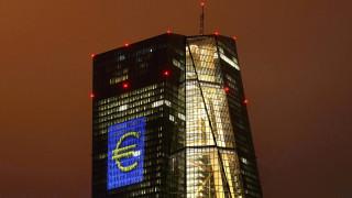 Η ΕΚΤ επικρίνει Ελλάδα, Ιταλία και Ουγγαρία για «μονομερή» νομοθέτηση