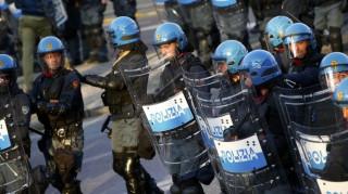 Ιταλία: Συγκρούσεις αστυνομικών με διαδηλωτές στο περιθώριο της G7