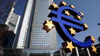 Τι λέει η ΕΚΤ για το ρόλο της στην τρόικα