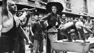 Cristobal Balenciaga: Λονδίνο και Παρίσι τιμούν τον Πικάσο της Μόδας