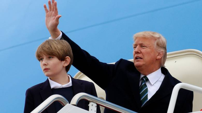 Mπάρον Τραμπ: Ο junior Πρώτος γιος των ΗΠΑ έγινε 11 ετών παίζοντας bowling
