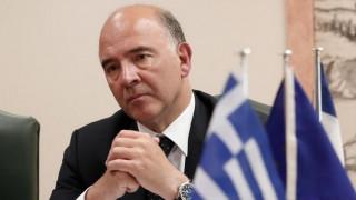 Μοσκοβισί στο Bloomberg: Χρειαζόμαστε το ΔΝΤ στην Ελλάδα