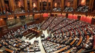 H ιταλική βουλή ενέκρινε οριστικά το νέο νόμο για το μεταναστευτικό