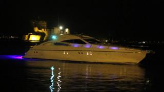 Μύκονος: Σώοι οι επιβαίνοντες τουριστικού σκάφους που βυθίστηκε