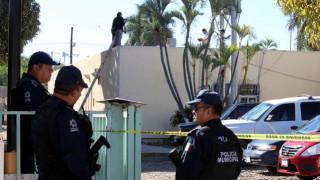 Μεξικό: Πέταξαν άντρα από αεροπλάνο και «προσγειώθηκε» στην οροφή νοσοκομείου (pics)