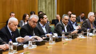 Πολιτική αντεπίθεση ζήτησε ο Τσίπρας από τους υπουργούς του