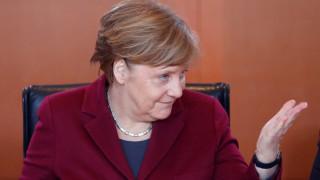 Δημοσκόπηση: Η Μέρκελ κερδίζει έδαφος έναντι του Σουλτς