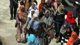 Χίος: Η τουρκική ακτοφυλακή σταμάτησε σκάφος με 199 πρόσφυγες και μετανάστες