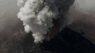 Εντυπωσιακά πλάνα από Drone: Κατέγραψε εκρήξεις ηφαιστείων στη Γουατεμάλα (Vid)