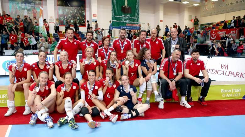 Βόλεϊ: Ήττα 3-0 του Ολυμπιακού στο β τελικό, η Μπούρσα το Challenge Cup