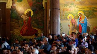 Αίγυπτος: Οι πιστοί συρρέουν στις εκκλησίες παρά την διπλή βομβιστική επίθεση