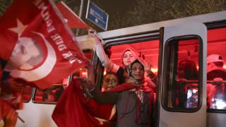 Δημοψήφισμα Τουρκία: Τα πρώτα συμπεράσματα από τη νίκη του ΝΑΙ (vid)
