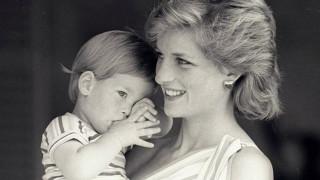 Ο πρίγκιπας Χάρι εξομολογείται το δράμα μετά το θάνατο της μητέρας του