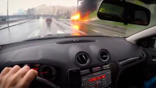 Μόσχα: Πολυτελές όχημα έπεσε πάνω σε στύλο - νεκροί οι δύο επιβάτες (vids)