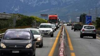 Μποτιλιάρισμα στην Ιόνια οδό από την επιστροφή των εκδρομέων (vid)
