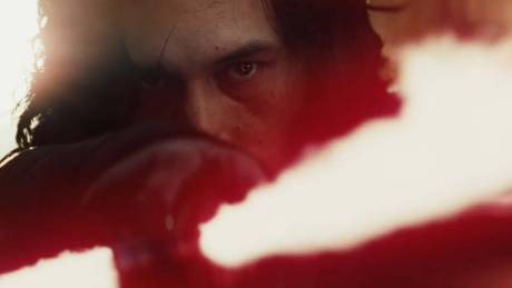 Star Wars: To πρώτο teaser του The Last Jedi υπόσχεται δράμα