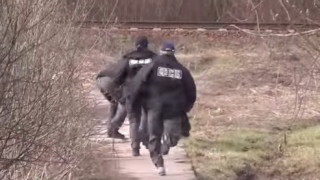 Η στιγμή της σύλληψης του υπόπτου για την επίθεση στην Αγία Πετρούπολη (vid)