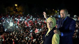 Κομισιόν: «Ανεξάρτητη έρευνα» για τις «φερόμενες παρατυπίες» στο δημοψήφισμα Τουρκίας