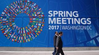 Αμφιβάλει για τη βιωσιμότητα των ελληνικών πλεονασμάτων το ΔΝΤ
