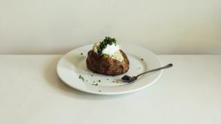 Αναψυκτικά, χαβιάρι, όχι ντομάτες: Η διατροφή των star στο Vanity Fair