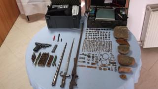 Αρχαιοκάπηλος στα Γρεβενά είχε ολόκληρο αρχαίο θησαυρό (pics&vid)