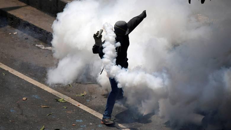 Βενεζουέλα: Νεκρός 17χρονος διαδηλωτής από σφαίρα στο κεφάλι (pics)